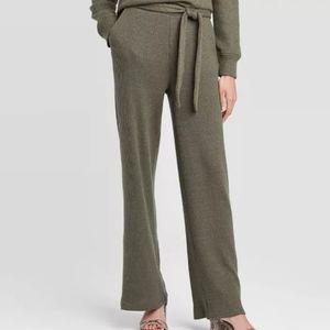 Who What Wear green lounge pants